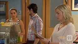 Paige Smith, Robin Dawal, Lauren Turner in Neighbours Episode 7146