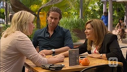 Lauren Turner, Brad Willis, Terese Willis in Neighbours Episode 7147