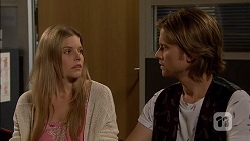 Amber Turner, Daniel Robinson in Neighbours Episode 7148