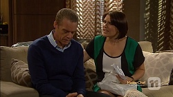 Paul Robinson, Naomi Canning in Neighbours Episode 7151