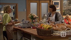 Lauren Turner, Naomi Canning in Neighbours Episode 7162