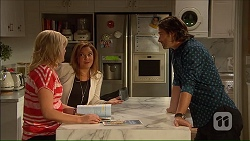 Lauren Turner, Terese Willis, Brad Willis in Neighbours Episode 7167