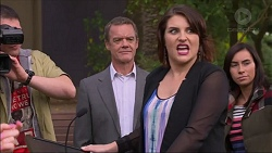 Paul Robinson, Naomi Canning in Neighbours Episode 7168