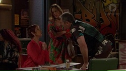 Susan Kennedy, Sonya Mitchell, Karl Kennedy in Neighbours Episode 7169