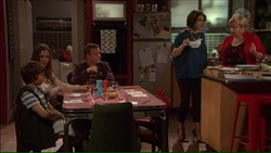 Amy Williams, Jimmy Williams, Paul Robinson, Naomi Canning, Sheila Canning in Neighbours Episode 7169