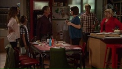 Amy Williams, Jimmy Williams, Paul Robinson, Naomi Canning, Kyle Canning, Sheila Canning in Neighbours Episode 7169