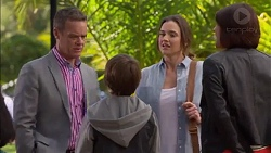 Paul Robinson, Jimmy Williams, Amy Williams, Naomi Canning in Neighbours Episode 7170