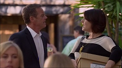 Paul Robinson, Naomi Canning in Neighbours Episode 7173
