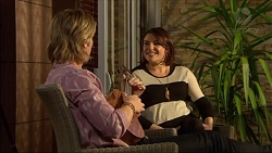 Daniel Robinson, Naomi Canning in Neighbours Episode 7175