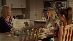 Lauren Turner, Amber Turner, Paige Novak in Neighbours Episode 7176