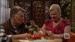 Russell Brennan, Sheila Canning in Neighbours Episode 7189