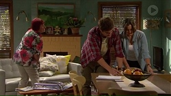 Angie Rebecchi, Kyle Canning, Amy Williams in Neighbours Episode 7192