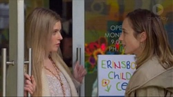 Amber Turner, Sonya Mitchell in Neighbours Episode 7197