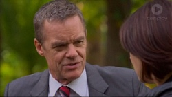 Paul Robinson, Naomi Canning in Neighbours Episode 7197