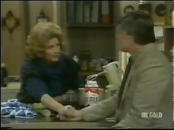 Madge Bishop, Tom Ramsay in Neighbours Episode 0302