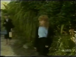 Nell Mangel, Charlene Mitchell in Neighbours Episode 0302