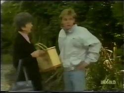 Nell Mangel, Scott Robinson in Neighbours Episode 0302