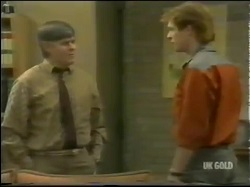 Tom Ramsay, Clive Gibbons in Neighbours Episode 0302