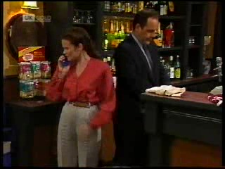 Julie Robinson, Philip Martin in Neighbours Episode 1820