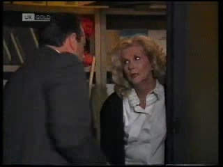 Philip Martin, Madge Bishop in Neighbours Episode 1820