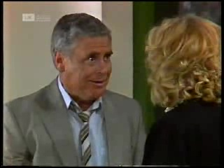 Lou Carpenter, Madge Bishop in Neighbours Episode 1820