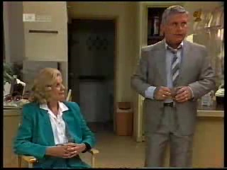 Madge Bishop, Lou Carpenter in Neighbours Episode 1820