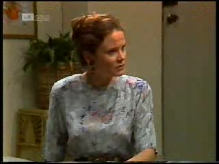 Julie Robinson in Neighbours Episode 1820