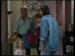 Lou Carpenter, Libby Kennedy, Darren Stark, Louise Carpenter (Lolly) in Neighbours Episode 3045