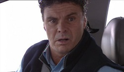 Joe Scully in Neighbours Episode 3670
