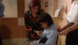Lyn Scully, Tina Nguyen in Neighbours Episode 3671