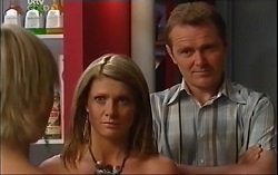 Sindi Watts, Izzy Hoyland, Max Hoyland in Neighbours Episode 4705