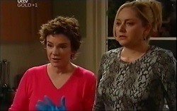 Lyn Scully, Janelle Timmins in Neighbours Episode 4705