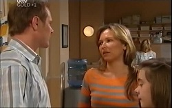 Max Hoyland, Steph Scully, Summer Hoyland in Neighbours Episode 4706