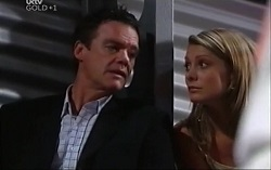 Paul Robinson, Izzy Hoyland in Neighbours Episode 4709
