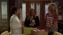 Susan Kennedy, Terese Willis, Lauren Turner in Neighbours Episode 7201