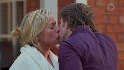 Lauren Turner, Brad Willis in Neighbours Episode 7201