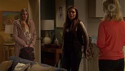 Amber Turner, Paige Novak, Lauren Turner in Neighbours Episode 7203