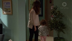 Amy Williams, Nell Rebecchi in Neighbours Episode 7203