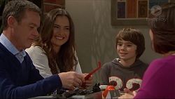 Paul Robinson, Amy Williams, Jimmy Williams, Naomi Canning in Neighbours Episode 7205