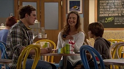 Kyle Canning, Amy Williams, Jimmy Williams in Neighbours Episode 7205