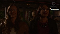 Amy Williams, Naomi Canning in Neighbours Episode 7205