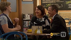 Daniel Robinson, Naomi Canning, Paul Robinson in Neighbours Episode 7206