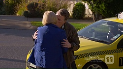 Sheila Canning, Russell Brennan in Neighbours Episode 7208