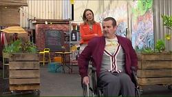 Sonya Mitchell, Toadie Rebecchi in Neighbours Episode 7209
