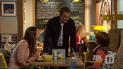 Amy Williams, Paul Robinson, Jimmy Williams in Neighbours Episode 7210