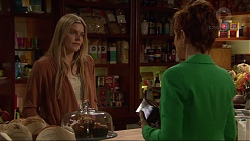 Amber Turner, Susan Kennedy in Neighbours Episode 7211