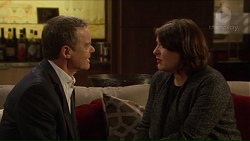 Paul Robinson, Naomi Canning in Neighbours Episode 7213