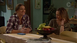 Amy Williams, Sonya Mitchell in Neighbours Episode 7216