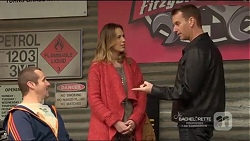 Toadie Rebecchi, Sonya Mitchell, Lucas Fitzgerald in Neighbours Episode 7217