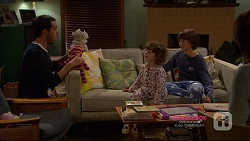 Liam Barnett, Nell Rebecchi, Jimmy Williams in Neighbours Episode 7223